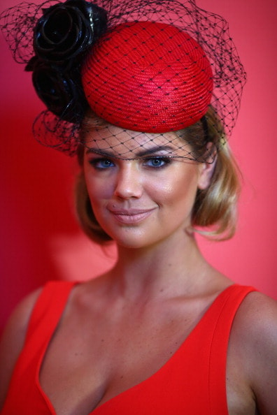 MELBOURNE, AUSTRALIA - NOVEMBER 05:  Kate Upton arrives during Melbourne Cup Day at Flemington Racecourse on November 5, 2013 in Melbourne, Australia.  (Photo by Ryan Pierse/Getty Images)