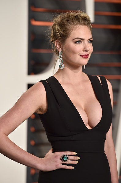 BEVERLY HILLS, CA - FEBRUARY 28:  Model Kate Upton attends the 2016 Vanity Fair Oscar Party Hosted By Graydon Carter at the Wallis Annenberg Center for the Performing Arts on February 28, 2016 in Beverly Hills, California.  (Photo by Pascal Le Segretain/Getty Images)